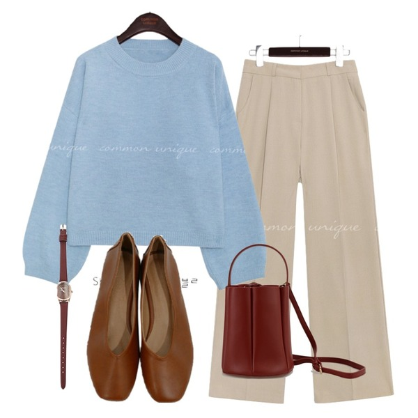 BITDA 넛트 shoes (5color),common unique FOND SET-UP PINTUCK SLACKS,common unique [TOP] BLINKY SMOOTH ROUND NECK KNIT등을 매치한 코디