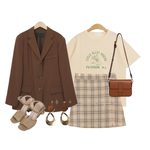 TODAY ME (캐주얼 나염 t),common unique RUCHY CHECK SLIT PANTS SKIRT,From Beginning Jade single boxy jacket_J (size : free)등을 매치한 코디