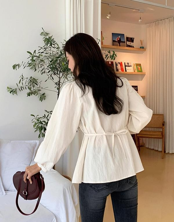 Half ring blouse