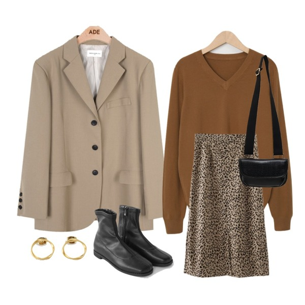 AIN chic mood jacket,AFTERMONDAY suede leopard slit skirt (2colors),From Beginning Even wool v-neck knit_Y (울 20%) (size : free)등을 매치한 코디
