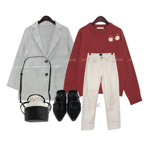 common unique COCONUT BASIC ROUND NECK KNIT,common unique HAND MADE WOOL 60% MAGE COAT,BULLANG GIRL 오트월코튼P등을 매치한 코디