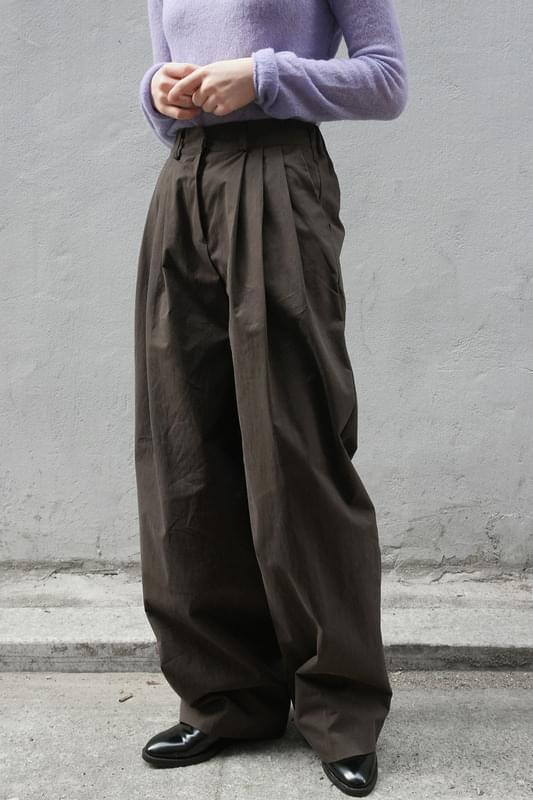 well made pintuck pants