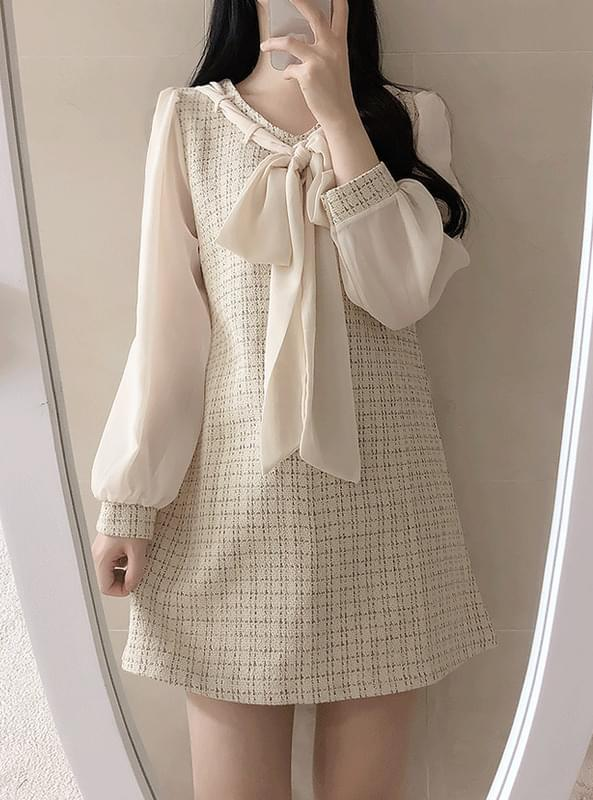 Fog tweed tie ribbon dress