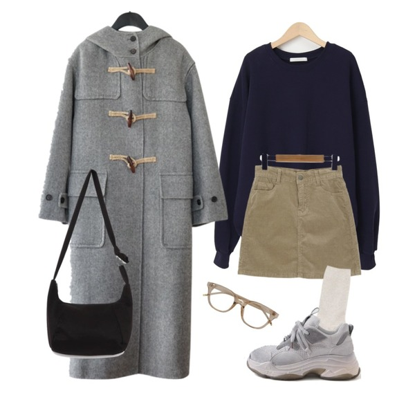 AFTERMONDAY herringbone hood coat (2colors),AIN cosy color socks (5 colors),LOVELY SHOES 카즈론 가죽 스니커즈 5cm등을 매치한 코디