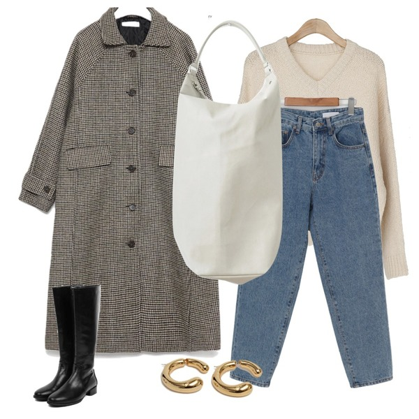 From Beginning Connect vintage earring_C (size : one),AIN round shape long boots (230-250),From Beginning Sense washing denim pants_C (size : S,M,L)등을 매치한 코디
