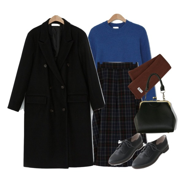 BANHARU vintage mood bag빈티지 무드 숄더크로스백,AFTERMONDAY vintage stitch loafer (3colors),BANHARU 리얼 오버핏 울 더블코트real over fit wool double coat등을 매치한 코디