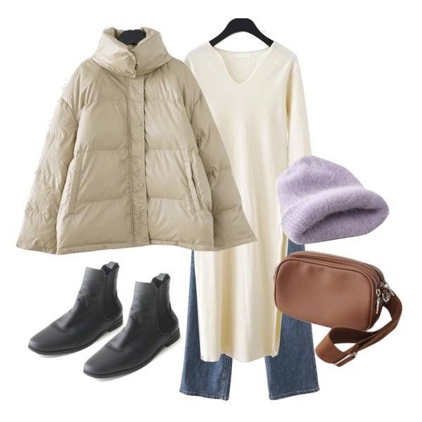 AFTERMONDAY basic real leather chelsea boots (2colors),AFTERMONDAY wearable round mini bag (3colors),AFTERMONDAY glossy warmer padding jumper (2colors)등을 매치한 코디