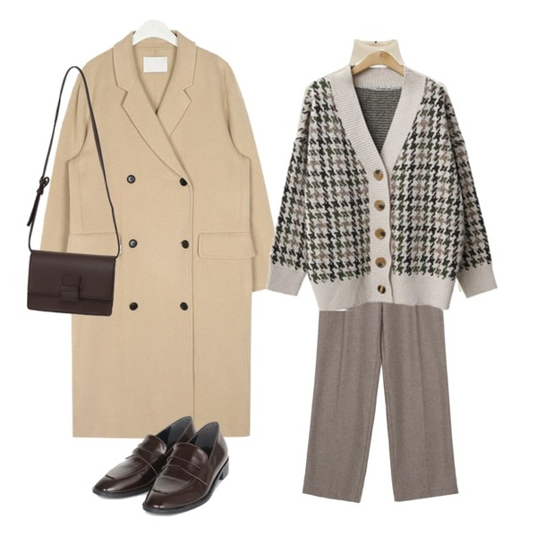 AIN penny middle point loafer (230-250),ENVYLOOK 빈티지체크가디건,AIN day double handmade coat (wool90%)등을 매치한 코디