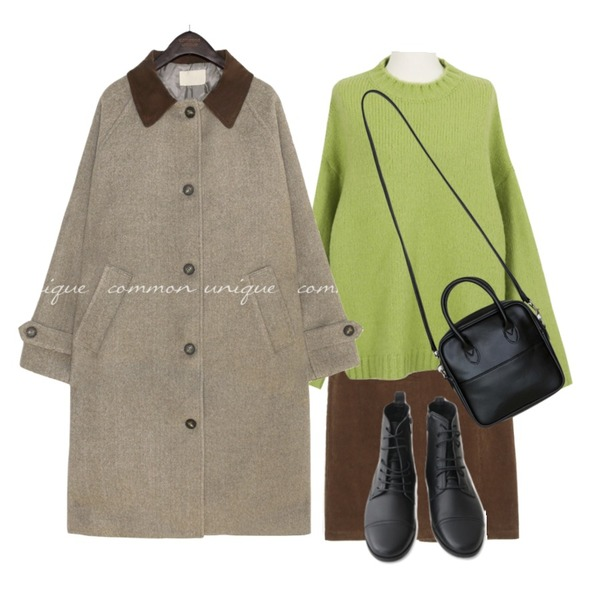 common unique FOREN CORDUROY COLLAR LONG COAT,BANHARU casual square shape bag캐주얼 스퀘어 크로스백,AFTERMONDAY real leather clean walker boots (2colors)등을 매치한 코디