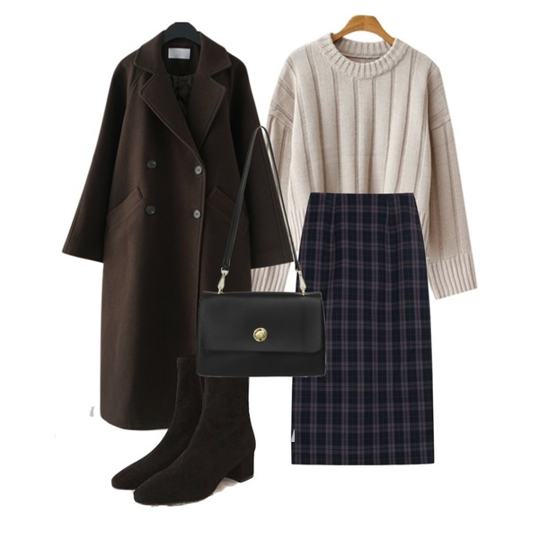 From Beginning Rectangle flat cross bag_H (size : one),biznshoe Classic check skirts (2color),common unique ROSE SUEDE SLIM ANKLE BOOTS등을 매치한 코디
