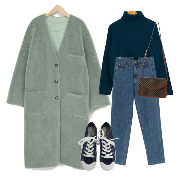 BITDA 버터링 sh (3color),From Beginning At warm denim pants_Y (기모) (size : S,M,L),From Beginning Melt dumble long mustang (size : free)등을 매치한 코디