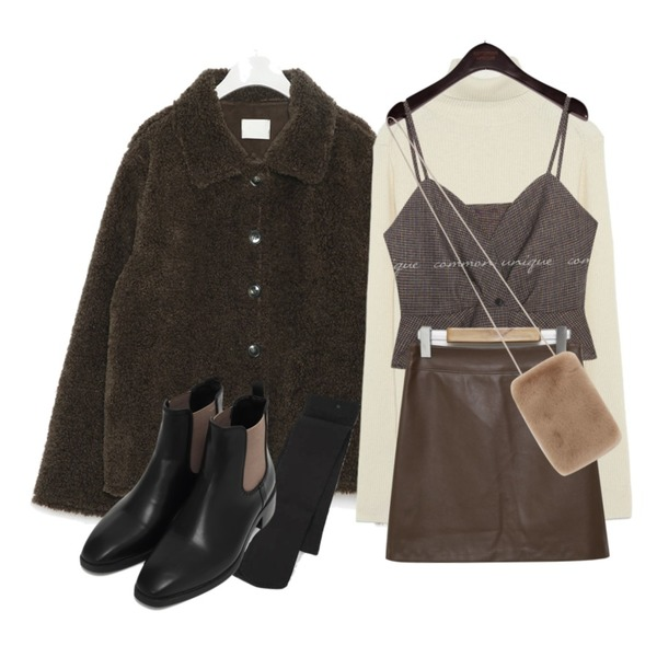 AIN wishlist warm leggings,From Beginning Intro mini leather skirt_J (size : S,M),common unique RATEL WOOL CHECK SET-UP BUSTIER등을 매치한 코디