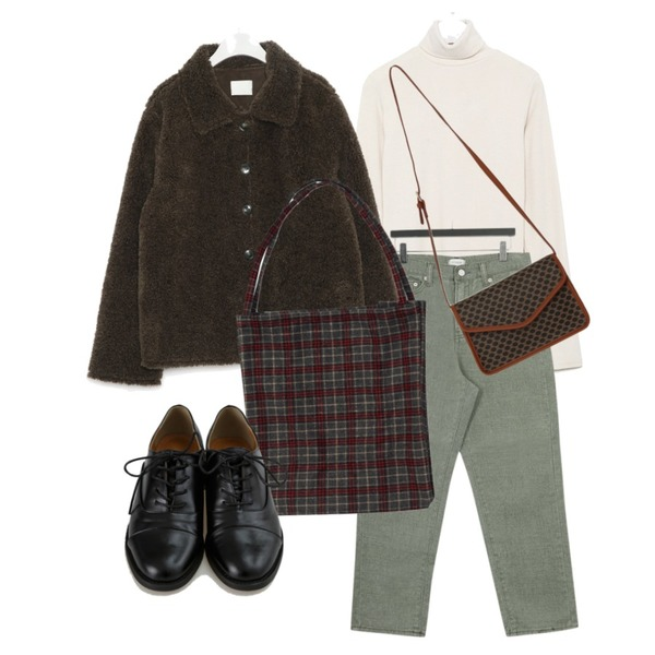 BANHARU 데일리 클래식 라인로퍼daily classic line loafer,From Beginning Munds check cotton bag_J (size : one),From Beginning Owned vintage cross bag_C (size : one)등을 매치한 코디