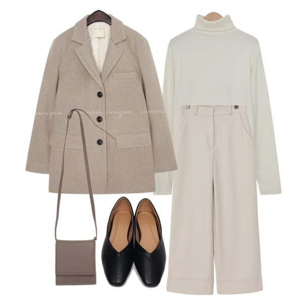 From Beginning Fran line flat shoes_C (size : 225,230,235,240,245,250),From Beginning Let simple cross bag_U (size : one),From Beginning Sense long wide pants_H (size : S,M)등을 매치한 코디