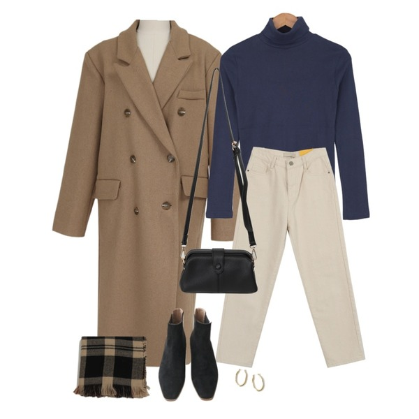 From Beginning Treed snap cross bag_J (size : one),From Beginning Lawren wool double coat_Y (울 50%) (size : free),BULLANG GIRL 신후라이스목폴라T등을 매치한 코디