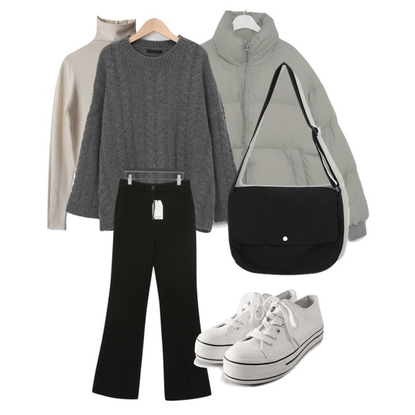 ROCOSIX daily platform sneakers,AIN post cross bag,From Beginning Cable lambs wool knit_C (램스울 80%) (size : free)등을 매치한 코디
