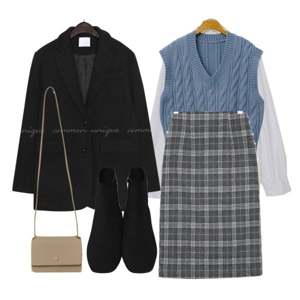 From Beginning Minimal suede walker_B (size : 225,230,235,240,245,250),From Beginning Day mini cross bag_U (size : one),common unique DIPET WOOL SINGLE JACKET등을 매치한 코디