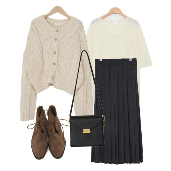 moaol loose macaron wool tee (5colors),From Beginning Cable button round cardigan_A (size : free),From Beginning Check pleats long skirt_A (size : free)등을 매치한 코디