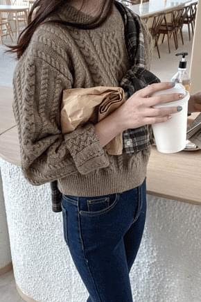 Dove Cable Crop Knit * knitwears