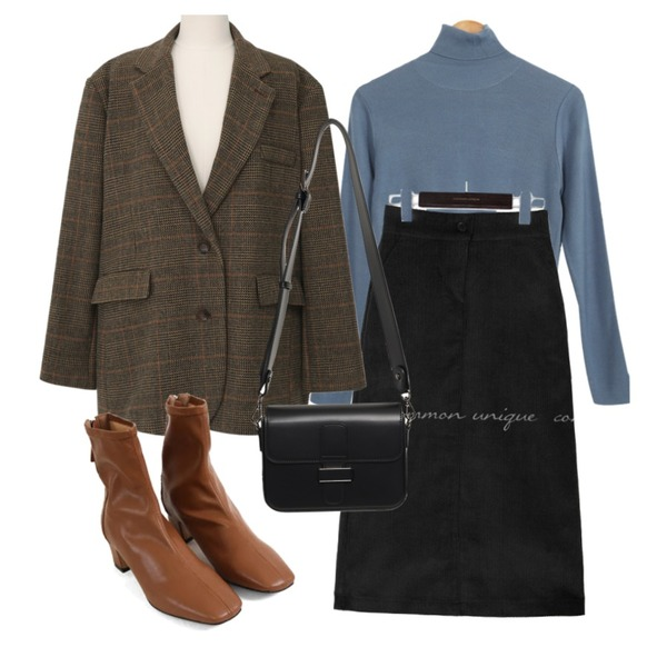 From Beginning Able belt strap cross bag_C (size : one),From Beginning Louid check wool jacket_U (울 10%) (size : free),biznshoe Middle line ankle boots (3colors)등을 매치한 코디