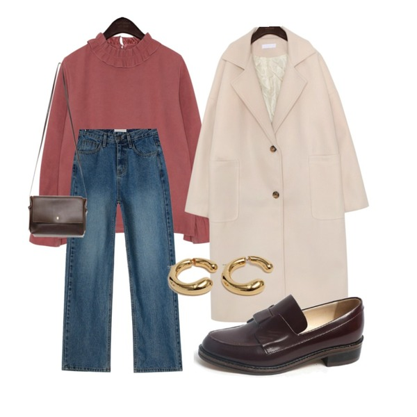 AIN mere simple square bag,LOVELY SHOES 마이코 로퍼 3cm,daily monday Natural washing wearable denim pants등을 매치한 코디