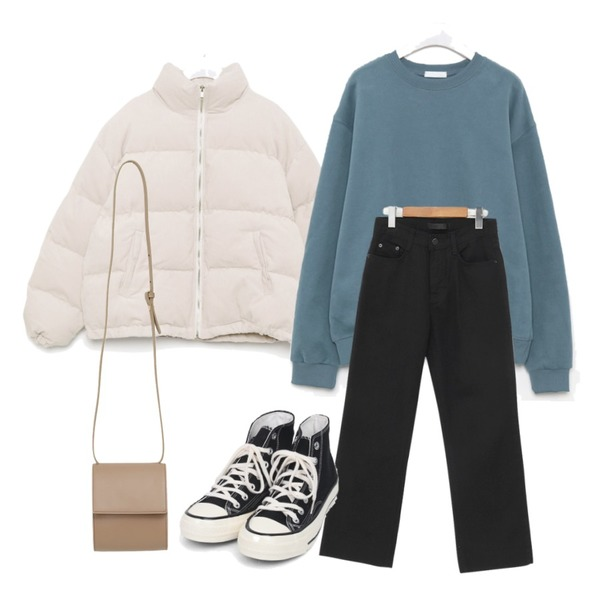 AIN colouring high canvas sneakers (225-250),From Beginning Film daily cross bag_U (size : one),From Beginning Daily wide cotton pants_U (size : S,M,L)등을 매치한 코디