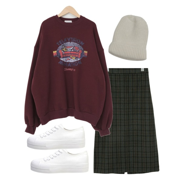 biznshoe Standard cotton sneakers (2color),From Beginning Vintage printing warm mtm_P (기모) (size : free),From Beginning Berny wool long skirt_Y (울 50%) (size : free)등을 매치한 코디