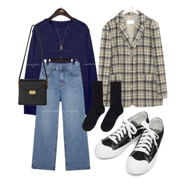 AIN basic monday sneakers (230-250),From Beginning Once string cross bag_A (size : one),MIXXMIX 베이직 골지 롱삭스등을 매치한 코디