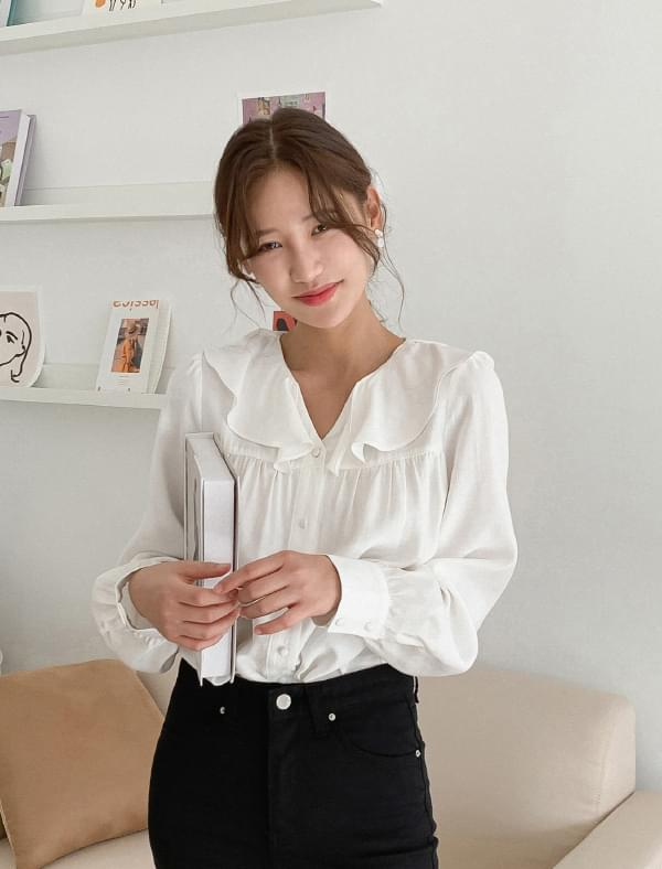 Sailor collar ruffle blouse