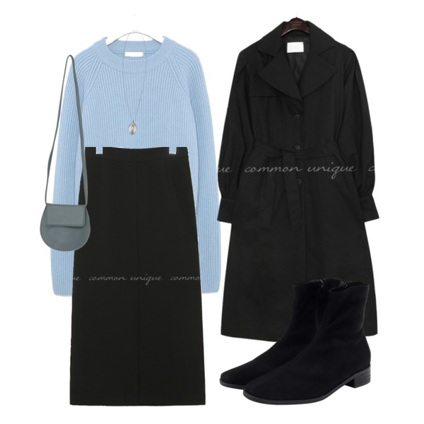 From Beginning Dark sweat ankle walker_K (size : 230,235,240,245,250),peachpicnic necklace 141,From Beginning Flat round cross bag_A (size : one)등을 매치한 코디