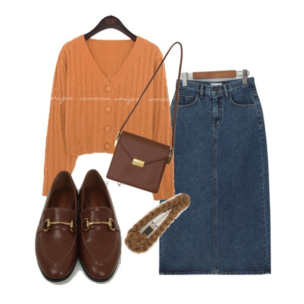 AIN knit hair pin,From Beginning Once string cross bag_A (size : one),From Beginning Back slit denim skirt_J (size : S,M,L)등을 매치한 코디