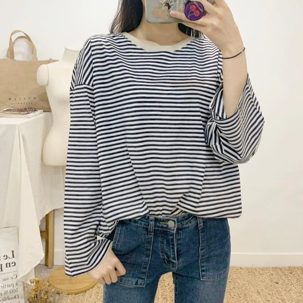 Ferret striped round neck long-sleeved T-shirt