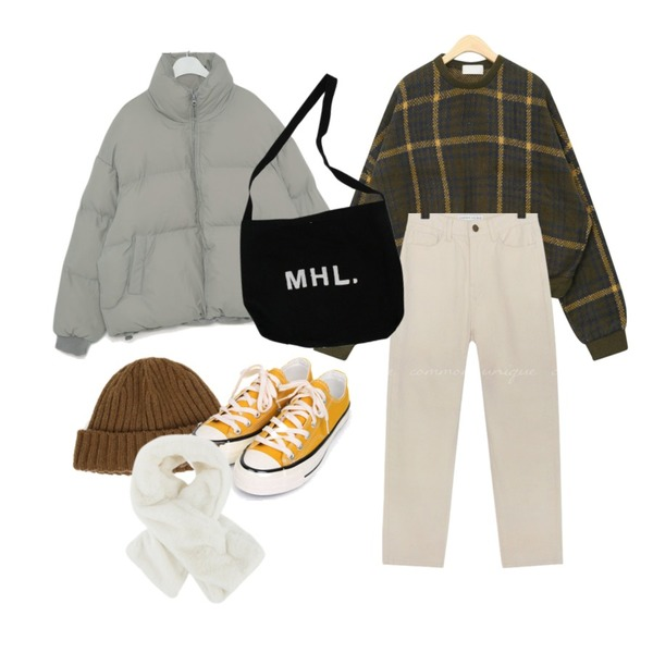 MIXXMIX 퍼 워머,AIN stay with check knit,BITDA 호웰에코백 (3color)등을 매치한 코디