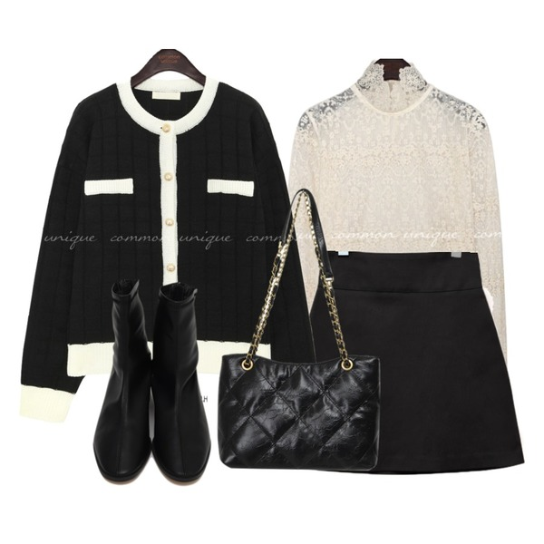 common unique HIGH WAIST A LINE MINI SKIRT,From Beginning Ride low heel ankle boots_C (size : 225,230,235,240,245,250),From Beginning Gold chain shoulder bag_J (size : one)등을 매치한 코디