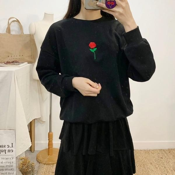 Red Rose Embroidery Round Neck One-to-One Long Sleeve