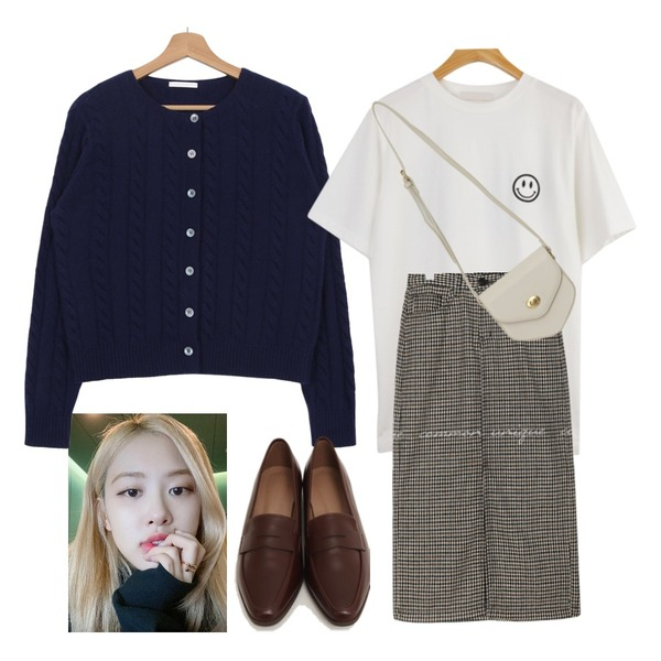 common unique LYRA WOOL CHECK SLIT LONG SKIRT,From Beginning Mood slim classic loafer_U (size : 230,235,240,245,250),WHOSGIRL 뒷면까지 예쁜 스마일티 (2 colors)등을 매치한 코디