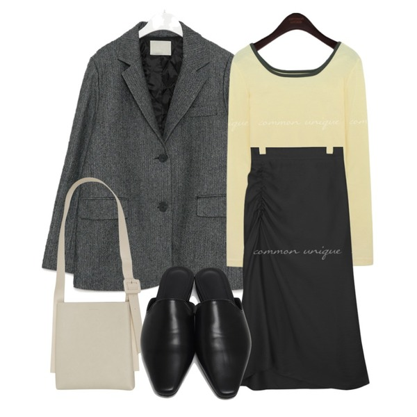 From Beginning Dave classic bloafer_N (size : 225,230,235,240,245,250),AIN mose wool napping herringbone jacket,From Beginning Belt strap square bag_J (size : one)등을 매치한 코디