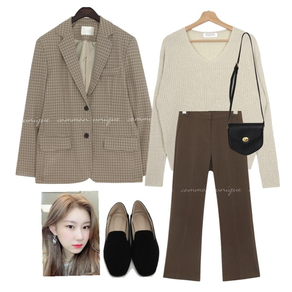 From Beginning Gram suede simple loafer_Y (size : 225,230,235,240,245,250),From Beginning Pent mini cross bag_A (size : one),Zemma World 로레니 잔케이블 브이넥니트등을 매치한 코디