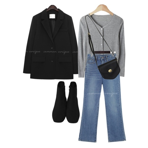 From Beginning Minimal suede walker_B (size : 225,230,235,240,245,250),common unique PONELL STRAIGHT DENIM PANTS,From Beginning Pent mini cross bag_A (size : one)등을 매치한 코디