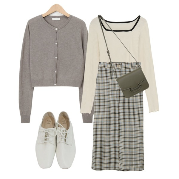 BITDA 엘라 shoes (3color),From Beginning H-line slit long skirt_A (size : free),From Beginning Libre mini cashmere cardigan_J (램스울 60%, 캐시미어 10%) (size : free)등을 매치한 코디