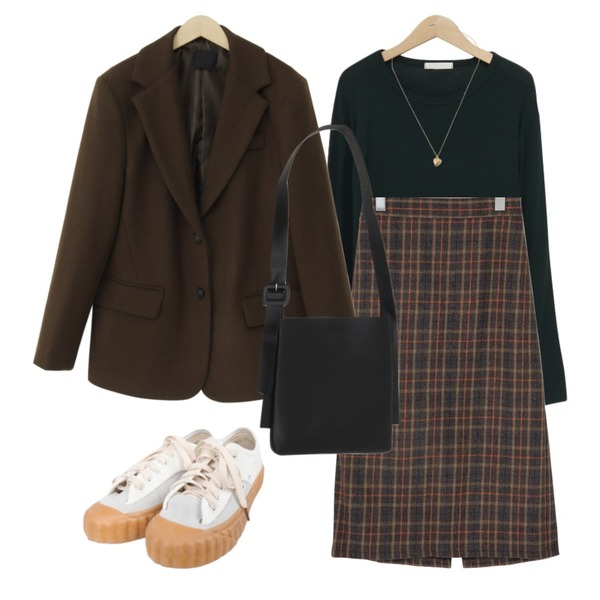 BULLANG GIRL 스트캐쥬스니커즈,From Beginning Anted wool button jacket_A (울 60%) (size : free),From Beginning Berny wool long skirt_Y (울 50%) (size : free)등을 매치한 코디