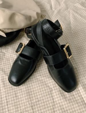 Unique buckle strap loafer