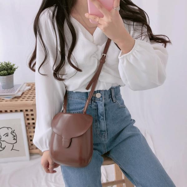 Milkshire cropped blouse