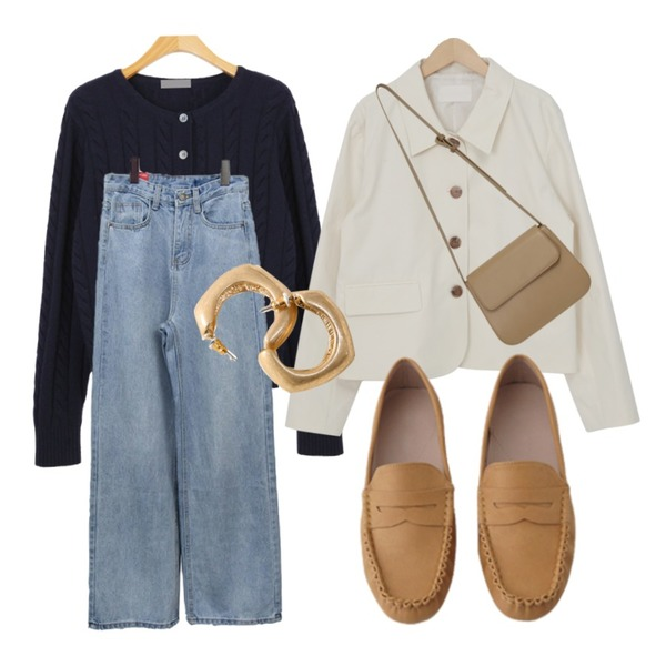 AFTERMONDAY soft square loafer (5colors),BITDA 델리토 pants,common unique SYNERGY SQUARE BOLD EARRING등을 매치한 코디