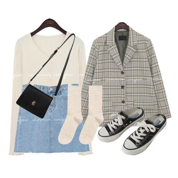 AFTERMONDAY simple mule sneakers (2colors),MIXXMIX 베이직 골지 롱삭스,From Beginning Butter daily cross bag_H (size : one)등을 매치한 코디