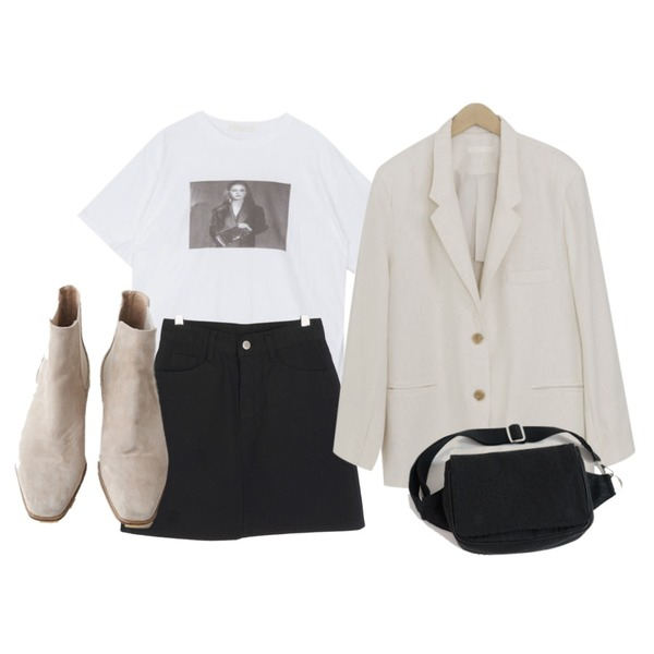 AFTERMONDAY wooden suede chelsea boots (2colors),MIXXMIX 걸스데이 티셔츠,AFTERMONDAY adorable jacquard hip-sack등을 매치한 코디