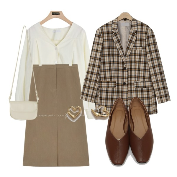 From Beginning Fran line flat shoes_C (size : 225,230,235,240,245,250),lavenir flory onetouch earring,From Beginning London basic check jacket_J (size : free)등을 매치한 코디