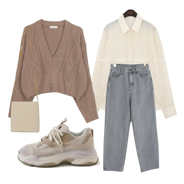 LOVELY SHOES 카즈론 가죽 스니커즈 5cm,From Beginning Inside point linen cross bag_C (size : one),biznshoe V twist crop knit (3color)등을 매치한 코디