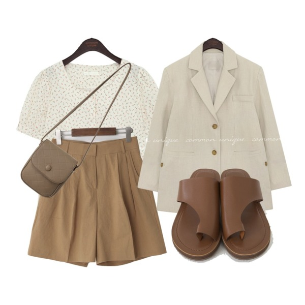 From Beginning 빈티지 퀼팅미니백 (2color),From Beginning 린넨핀턱 하프팬츠 (3color),common unique PINT SLIT BOXY LINEN JACKET등을 매치한 코디