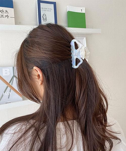 milky hair pin